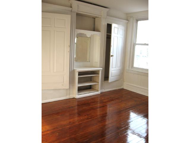 735 N 43rd St.– Bedroom 1